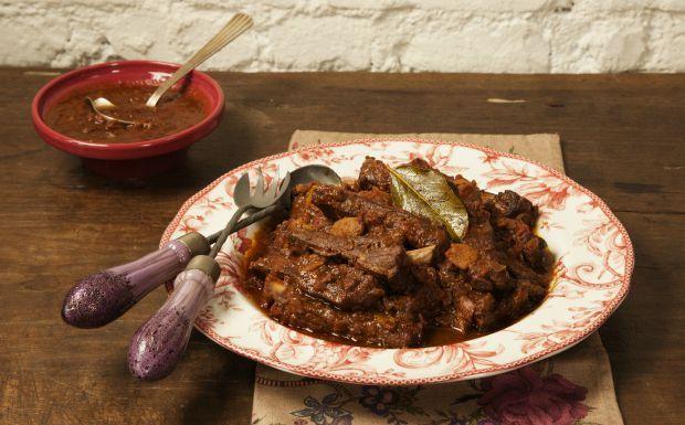 Costelinha de porco com molho mediterrâneo de tomate Cozinha Prática com Rita Lobo - GNT