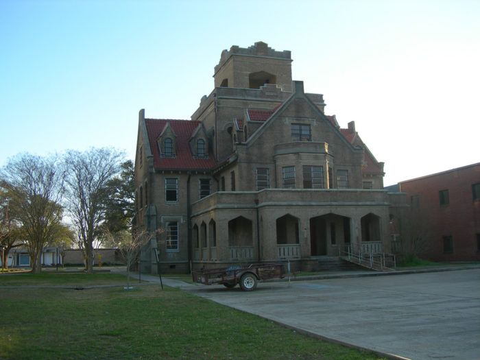 This jail is also known as the Gothic jail and the Hanging jail, and it has been put on the National Register of Historic Places.