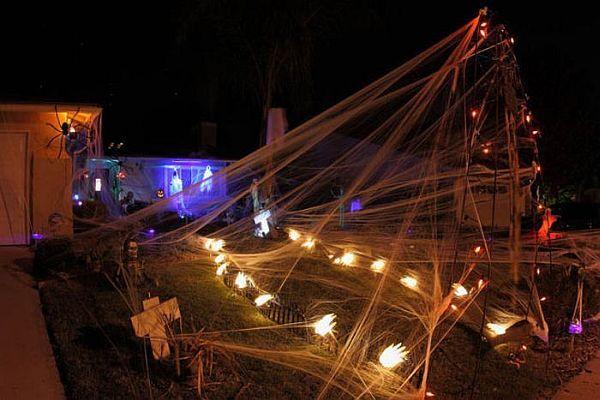 98 best HALLOWEEN images on Pinterest Halloween decorating ideas - halloween decorations ideas yard