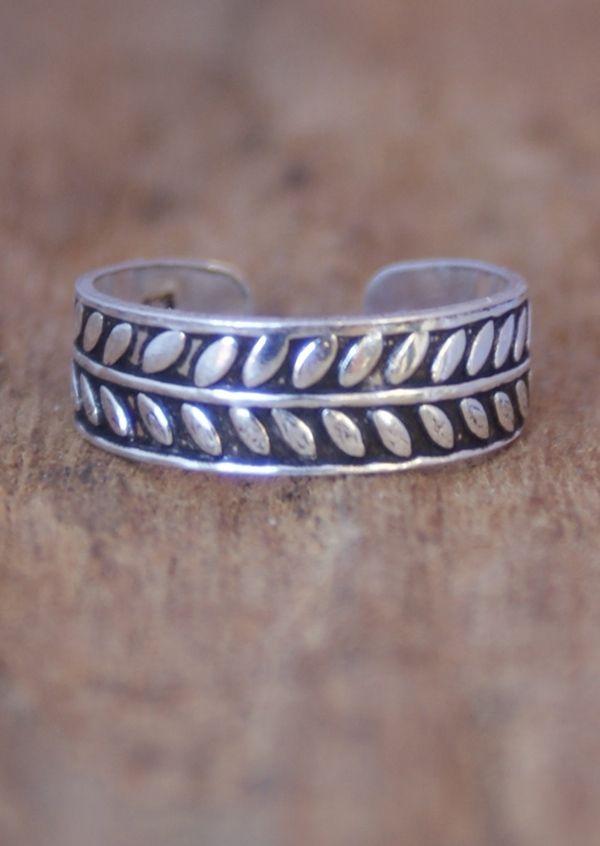 Karma East - Silver Leaf Toe Ring