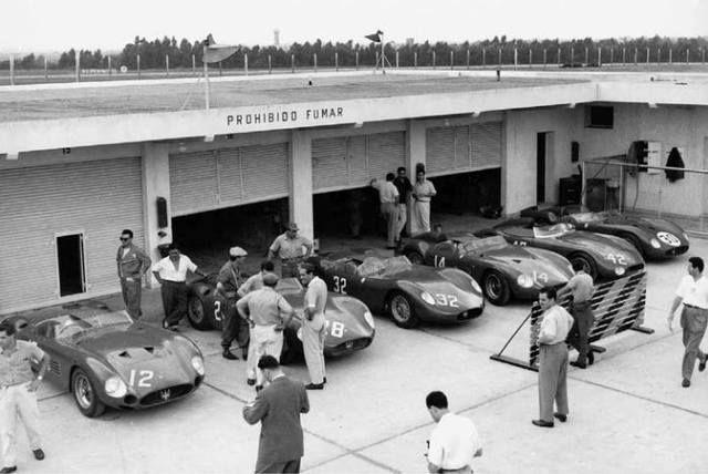 1958 Buenos Aires 1000 km paddock Scuderia Centro Sud with the Maserati 300S