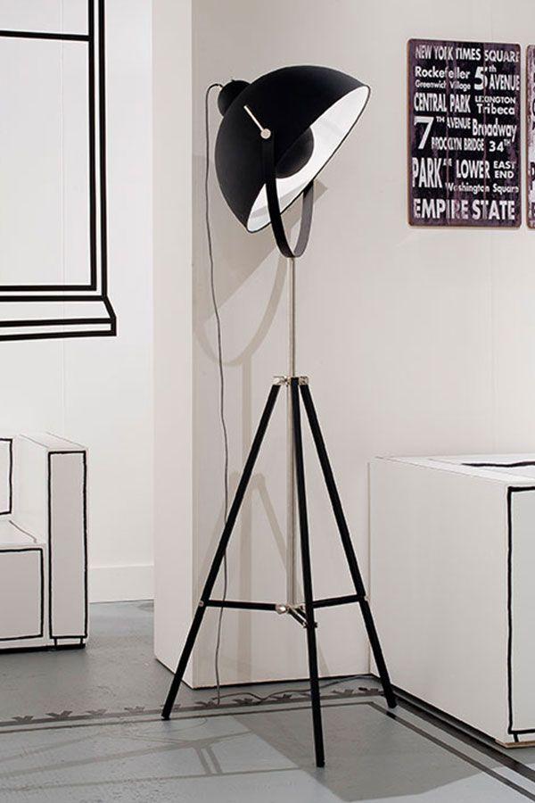 Stylish und extravagant präsentiert sich die Lampe HOLLYWOOD