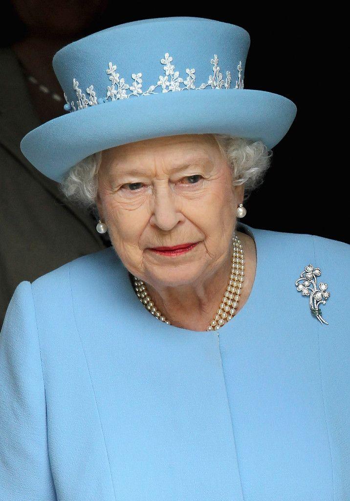 143 Best Queen Elizabeth Ii 39 S Brooches Images On Pinterest