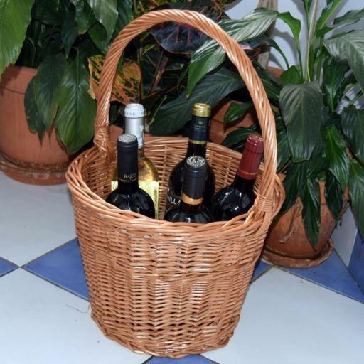 En el #diadelpadre, regálale este botellero con su vino preferido. #unacestadecestashome #calidadcestasdeespaña