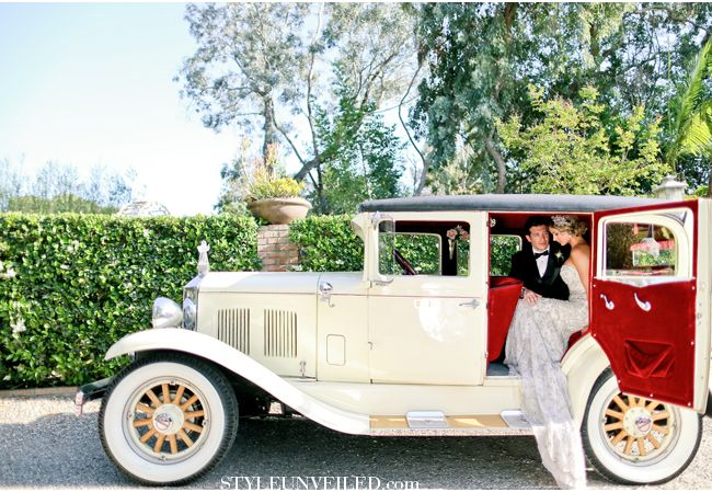 Great Gatsby Wedding Inspiration / Brilliant Event Design & Amore Wedding Photography / via StyleUnveiled.com