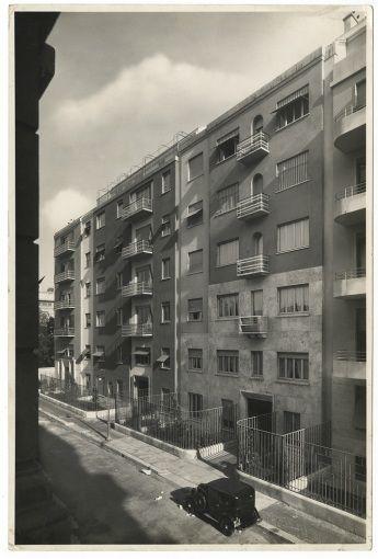 """Типичные дома"": Domus Julia Domus Carola и Domus FAUSTA на улице Де Togni - Джио Понти"