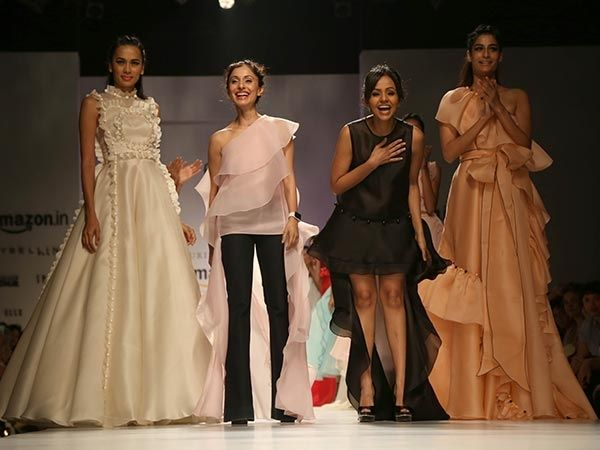 Its absolutely the amazing show by Gauri and Nainika at ‪#‎AIFWSS16‬ ! Take a tour.