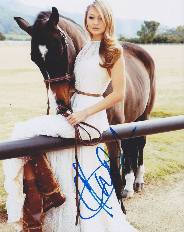 Gigi Hadid Autographed Signed 8X10 Proof Photo COA 'Sports Illustrated Model'