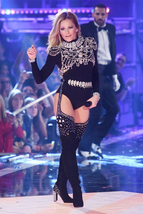 "And a second provocative outfit showed Helene Fischer at the ""Heimlich …   – H…"
