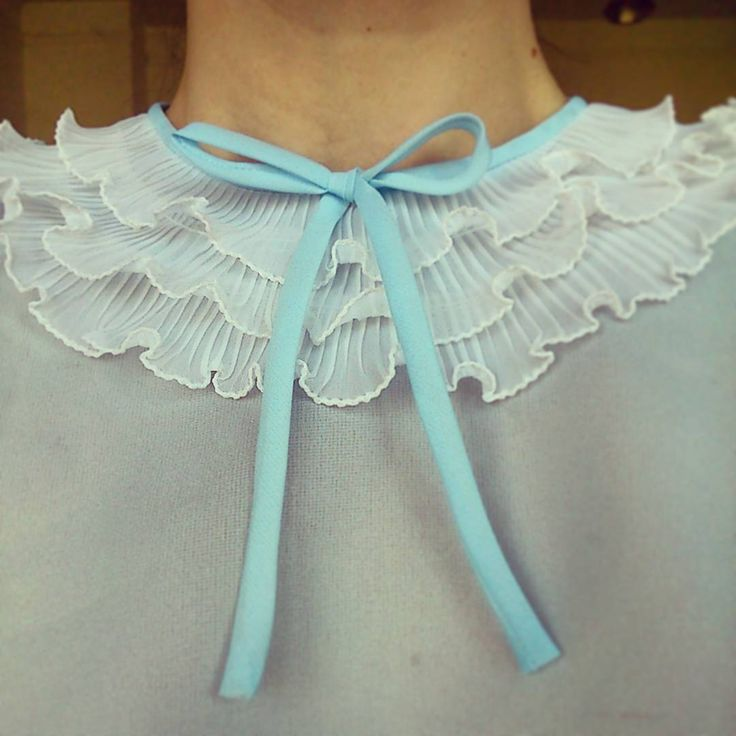 Frilly Day. #frilly #frill #blue #white #fodrosblúz #fodor