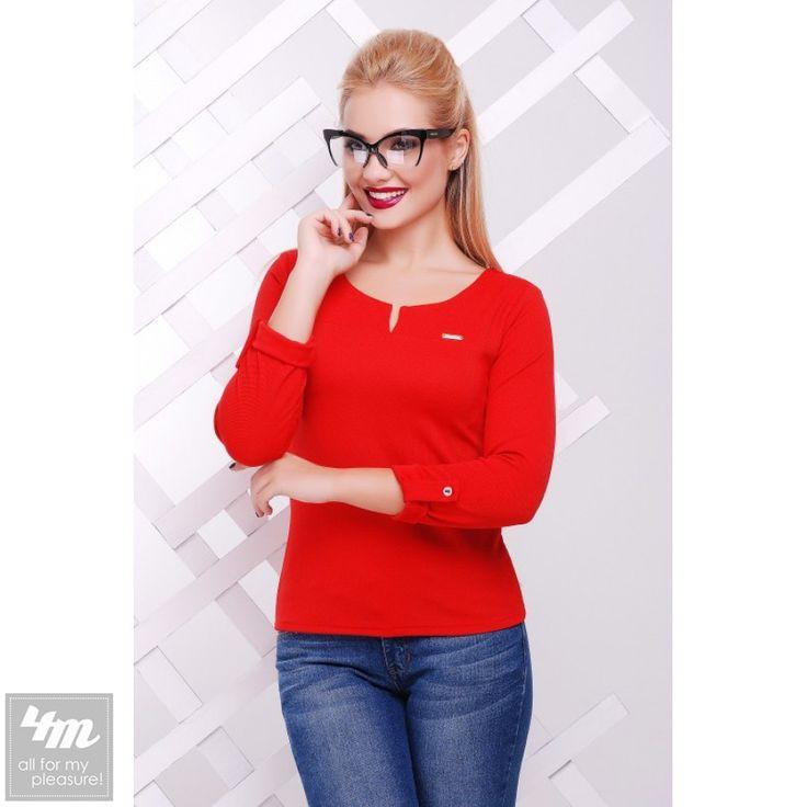 Кофта FashionUp «Разрез» (Красный)  Перейти в интернет-магазин: http://lnk.al/2RIU  Состав:  18% вискоза, 77% полиэстер, 5% спандекс Размер::  42 44 46 48