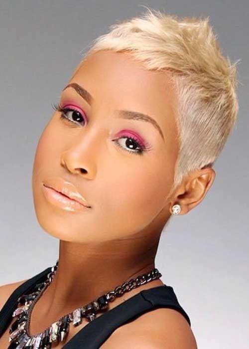 15 kurze blonde Frisuren für schwarze Frauen, Sc…