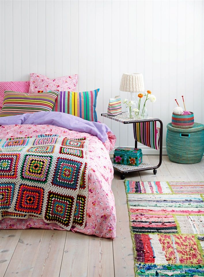 Love this colorful crochet afghan! I want to hang in this room all day!