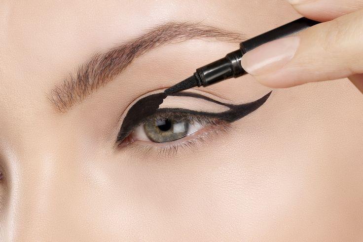 5 eyeliner pilihan dengan harga dibawah Rp100.000 ini bisa menjadi pilihan Anda yang sedang mencari eyeliner dengan harga yang terjangkau.