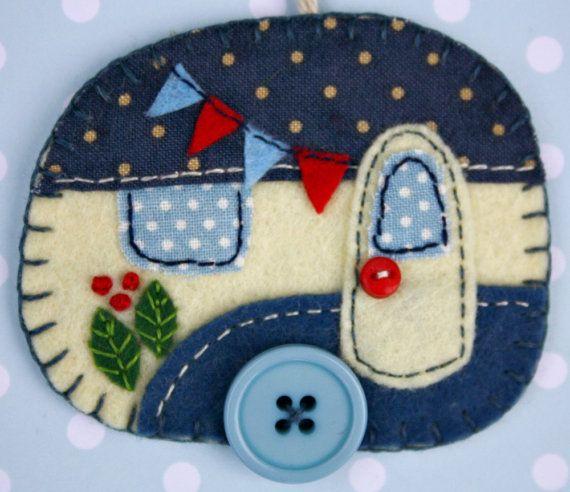 Felt Christmas ornament,Vintage trailer,Vintage caravan ornament,Handmade felt…
