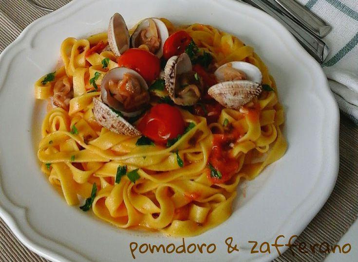 Pasta allo zafferano con tartufi di mare e pomodori datterini | Cucinare Meglio