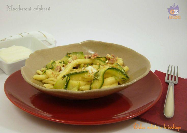 Maccheroni calabresi, stracchino, zucchine