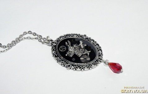 "Pendant. ""Alice in Wonderland"""