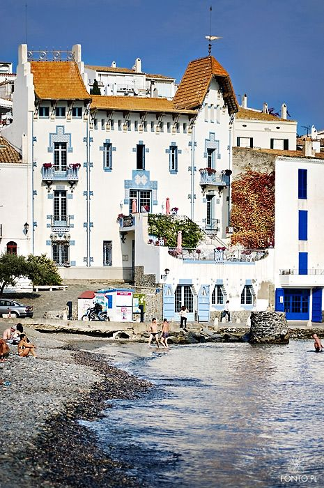 Cadaqués, Catalunya, Spain Book your travel through Cha-Ching booking and receive a commission back! www.myfunlife2.com