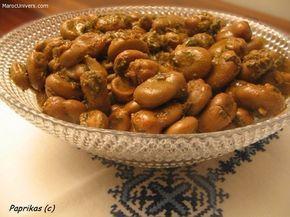 PRÉPARATION Feves à la marocaine Écosser les fèves fraîches (ou congelés si vous ne trouvez pas des fraîches) et faire une incision sur chaque fève avec un couteau, cela les rends tendres et goûteuses lors de la cuisson. Dans une casserole, mettre les fèves avec les épices et l'huile d'olive. Ajouter la coriandre et l'ail haché. Recouvrir d'eau et laisser cuire pendant une trentaine de minutes. Les fèves doivent être tendres, prolonger la cuisson si besoin. Faire réduire en ga...