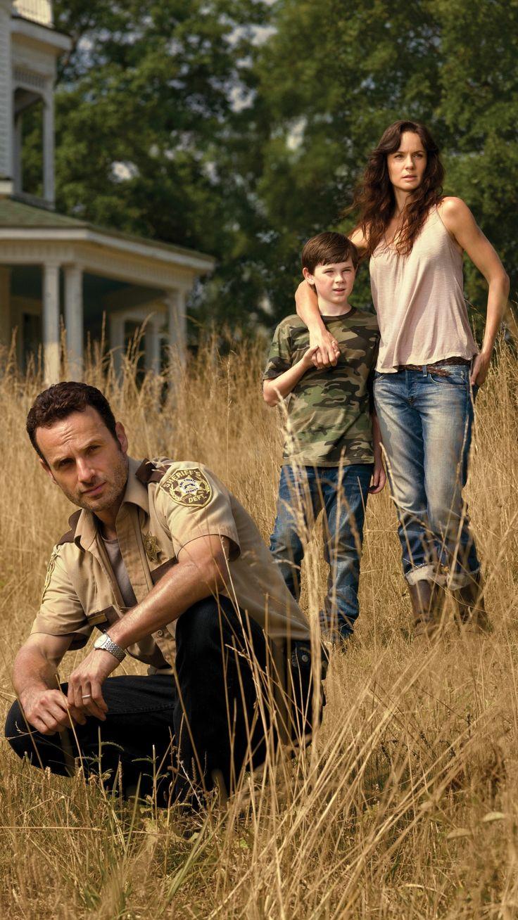 Andrew Lincoln como Rick Grimes, Chandler Riggs como Carl Grimes e Sarah Wayne Callies como Lori Grimes | The Walking Dead.