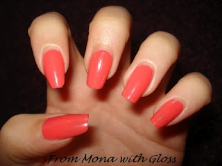 NOTD Corai - http://frommonawithgloss.blogspot.ro/2012/06/notd-coral-reef.html