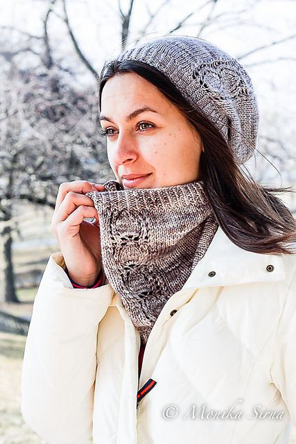 Ravelry: Everyone's Cowl - worsted pattern by Monika Sirna
