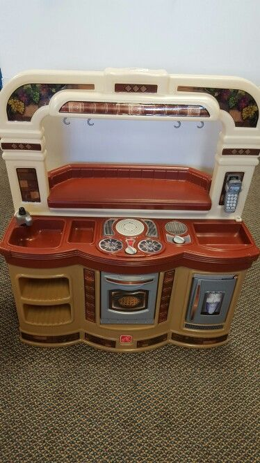 Step 2 kitchen with pieces only $45