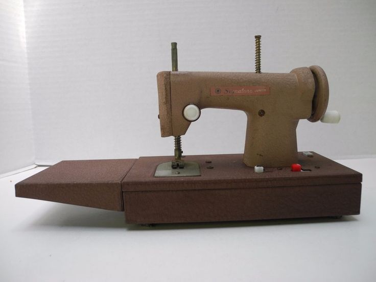 663 Best Images About Toy Sewing Machines On Pinterest