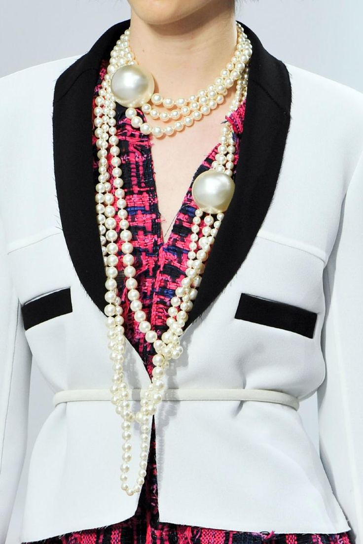 Chanel, Paris, Spring 2014, pearls #necklace #jewelry # ...