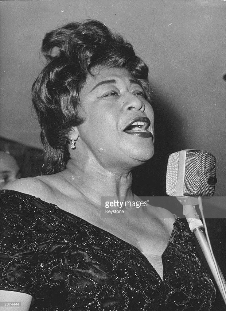 Photo d'actualité : American jazz scat singer Ella Fitzgerald during...