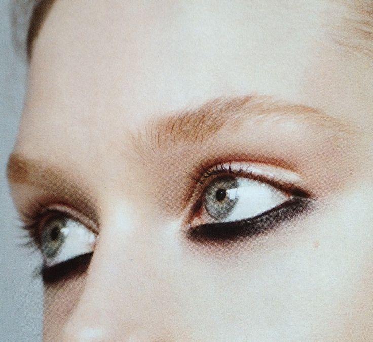 Touch Kajal: Different Graphic Black Eye Make-up