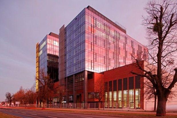 Gdańsk, al. Grunwaldzka, Alchemia - Dwie pierwsze wieże kompleksu Alchemia działają od stycznia tego roku - pierwszy certyfikowany w Gdańsku budynek biurowy  platynowy LEED   Czytaj więcej na: http://dom.trojmiasto.pl/Pierwszy-etap-Alchemii-z-platynowym-LEED-em-n86128.html#tri