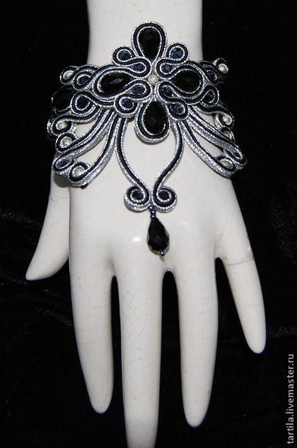 Сутажный браслет ` мысли в полночь`. Сутажный ажурный браслет может быть дополнен серьгами в комплект. Застежка магнит поможет легко…