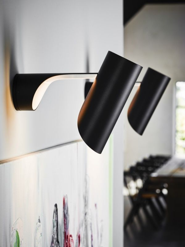 Mutatio 353 vägglampa - LED i matt svart - Le Klint - Dennys Home
