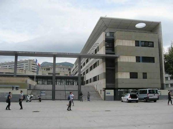 08.03.17 - LA MARSEILLAISE  L'Université de Toulon organise son 2e salon « Livres, Justice et Droit »