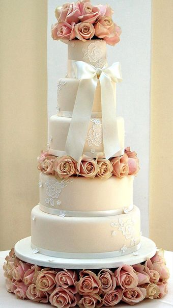 A rose filled cake in The Orangery at Blenheim Palace