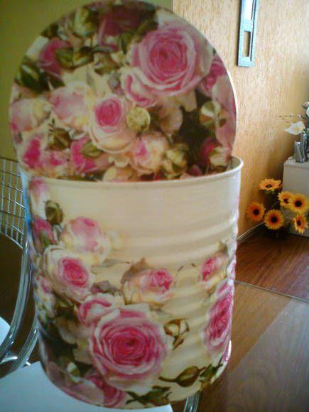 latas decoradas com vários temas ótimas par serem usadas como porta treco ou embalagem para ovos de páscoa panetones e muito mais opções