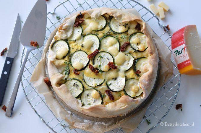 Italiaanse Quiche met zongedroogde tomaat met parrano kaas recept betty's kitchen