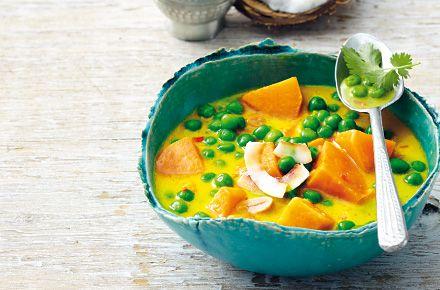 Süßkartoffel-Curry mit Kokos und Erdnüssen - Schrot und Korn - Das Kundenmagazin für den Naturkosthandel
