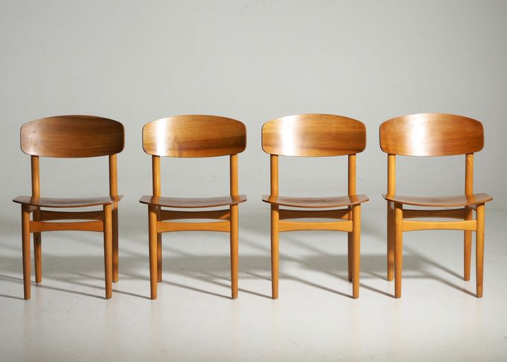 Ref No. 13186-2A  Four Børge Mogensen chairs in teak. Made by Søborg furniture maker, model 122. 1960´s.