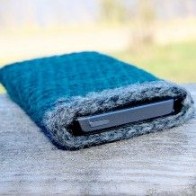 Wool mobile pocket Mobilveske/mobilsokk til iphone og andre telefoner i ull fra Søstrene Miljeteig.