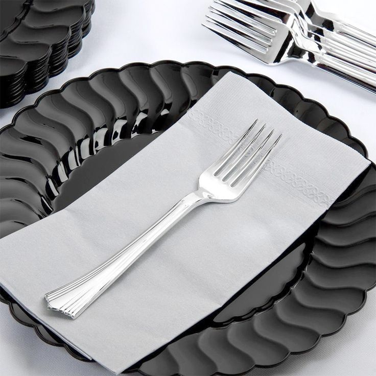 Weapons and Equipment E0c195961b53b003a844c20d7667d648--plastic-silverware-plastic-plates