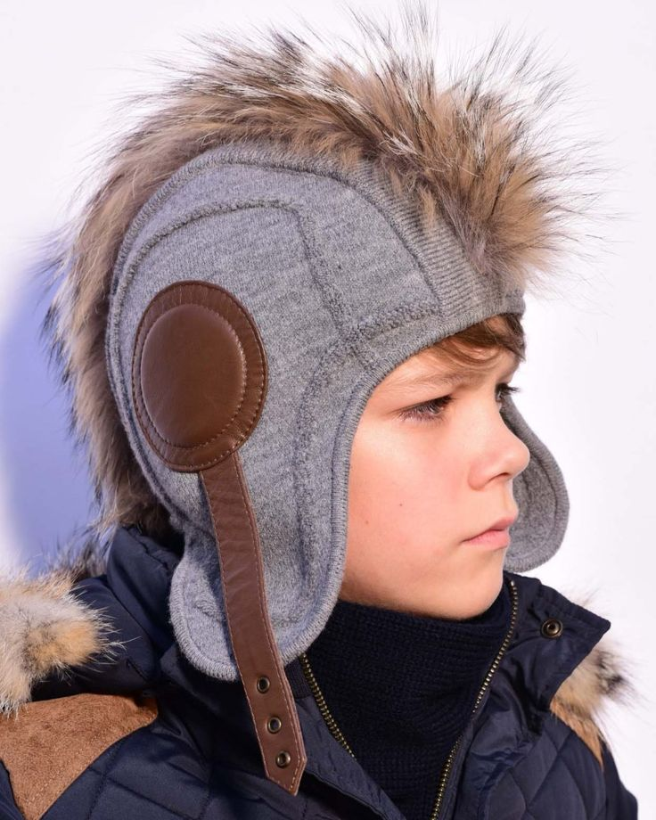 """Шлем  """"Легион"""" из трикотажа с отделкой кожей и мехом"""