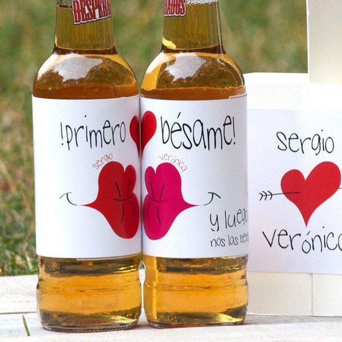 Regalos DIY Especial San Valentín: 10 Ideas de regalos do it yourself ideales para una fecha como San Valentín: tarjetas, letras, ideas de decoración, cojines, fotos, puzzles, cerveza, y corazones muchos corazones.