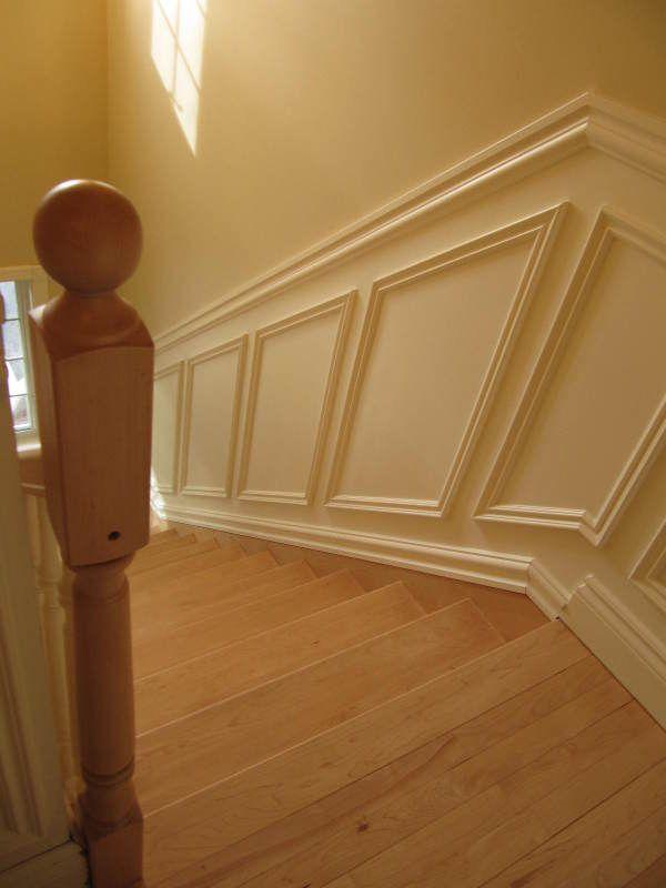 soubassement bois escalier
