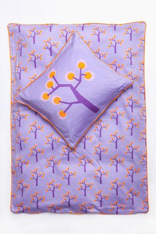 TILBUD Lilla Baby sengetøj - graphic tree purple varenr. F140-3 - Manostiles – kidzROOM