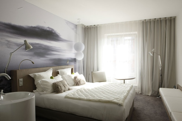 le grand balcon toulouse concept from 1930 39 s hotel was renovated by jean philippe nuel. Black Bedroom Furniture Sets. Home Design Ideas