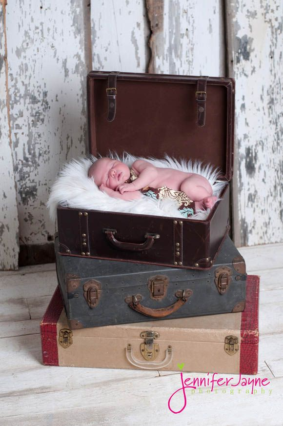 Photography Techniques: 40 Baby Portrait Design Using Props