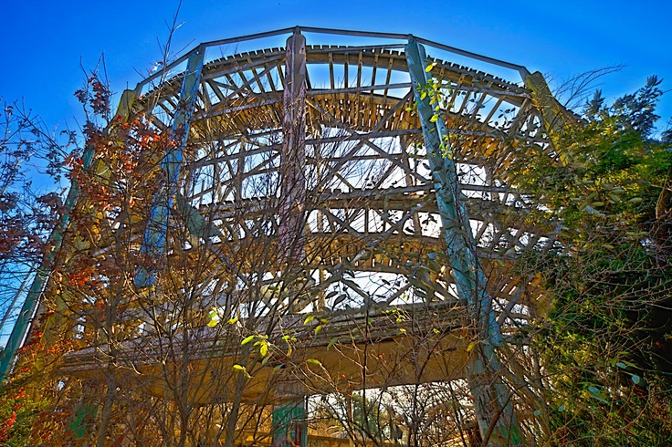 """Opened in 1894 as Midway Park in Westport, MA; successful until the mid-1980s as Lincoln Park Casino. A fatal accident on this coaster, the """"Comet"""" (built in 1946) was the beginning of the end for the park."""